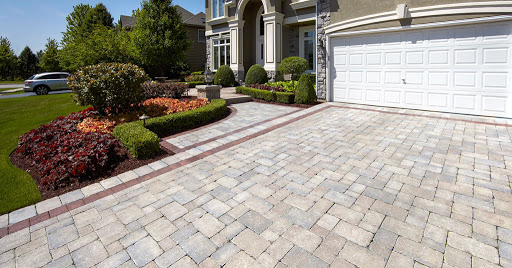 Advantages & Disadvantages Of Using Stamped Concrete On Driveway