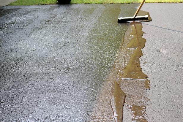 DIY Resealing An Asphalt Driveway: Pro Tips