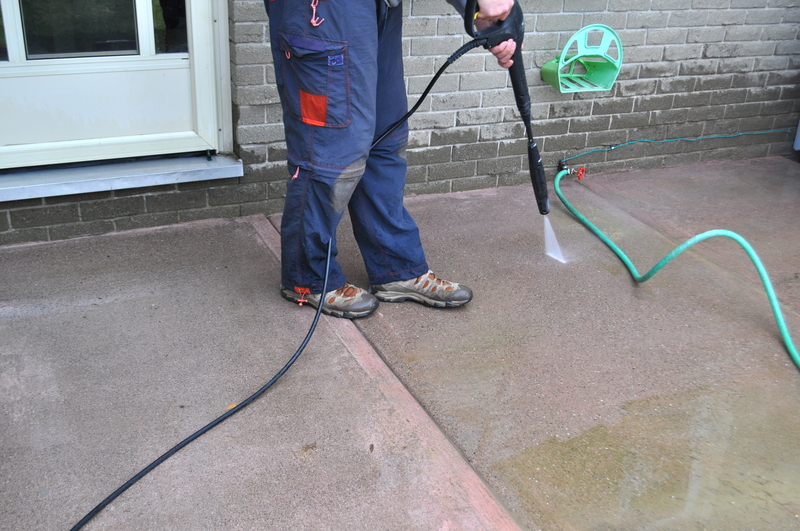 Reasons Why You Need Professional Driveway Cleaning Services