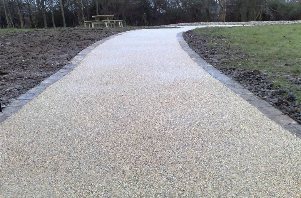 Make A Tar And Chip Driveway With This Cheap Do it Yourself Tips
