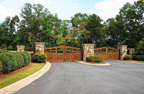 Installing Driveway Gates and Choose the Right One