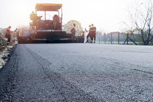 Asphalt vs. Concrete: What's Best for Your Driveway?