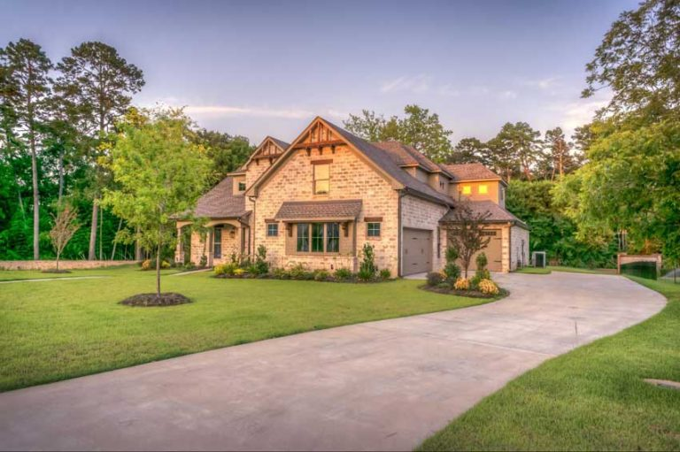 Driveway Materials | Choosing the Right Type of Driveway for Your Home